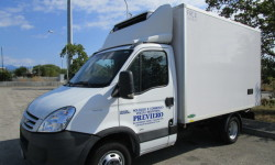 Noleggio furgone frigo con ganci per trasporto carne